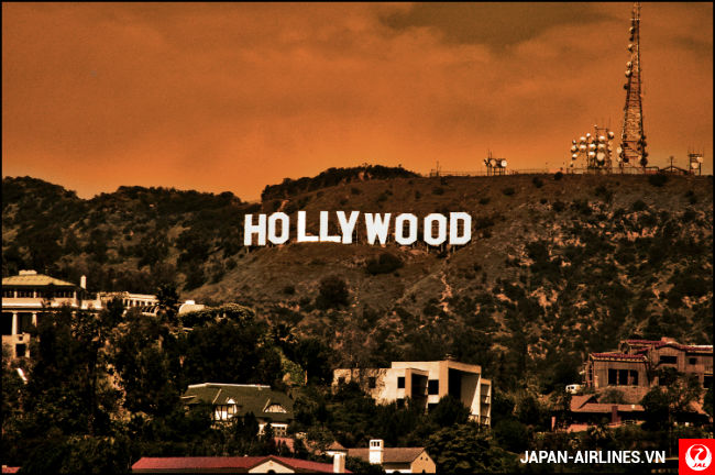 ve may bay di los angeles gia re