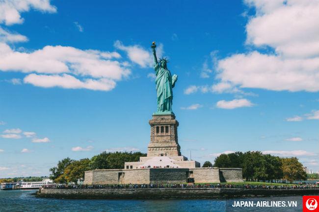 ve may bay di new york gia mem