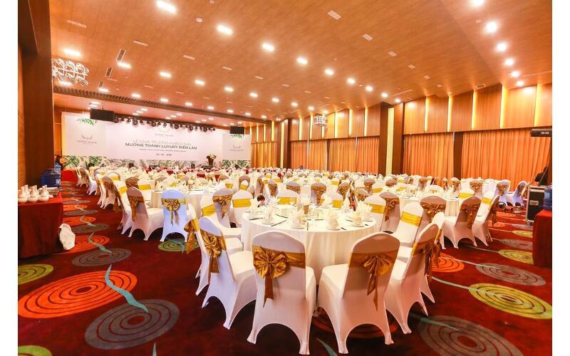 nhà hàng bùng giang Khách sạn Mường Thanh Diễn Châu