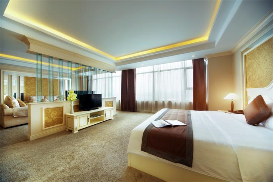 Phòng grand suite Khách sạn mường thanh quảng nam