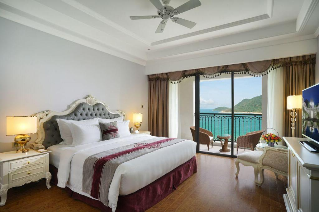 Phòng deluxe Vinpearl Discovery 1 nha trang