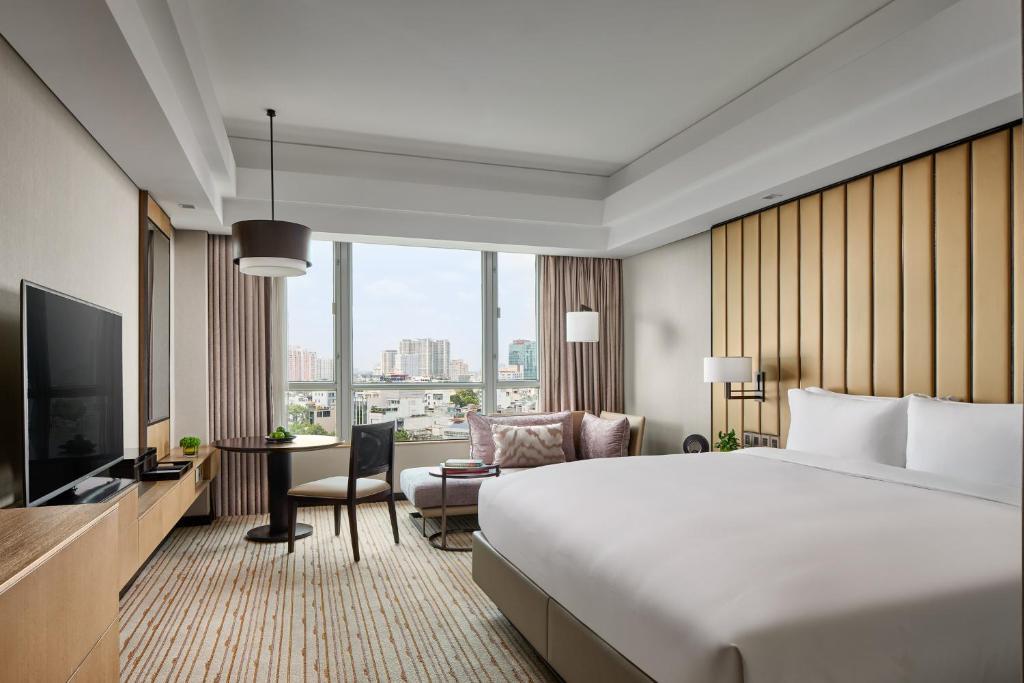 Phòng executive suite Khách Sạn New World Sài Gòn