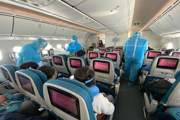 mua vé máy bay từ madrid về sài gòn tphcm